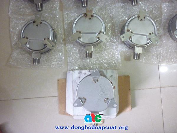 Thiết kế chân kết nối đồng hồ đo áp suất theo sản phẩm mẩu được khách hàng cung cấp
