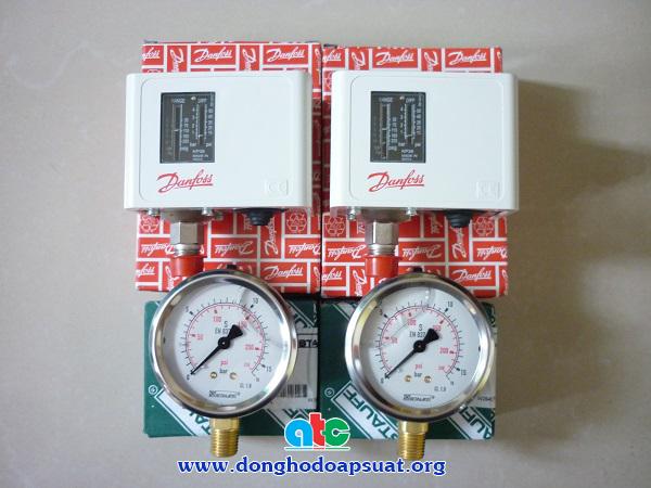 Đồng hồ đo áp suất Stauff và Công tắc áp lực Danfoss