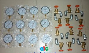 Cung cấp đồng hồ đo áp suất kèm theo van góc