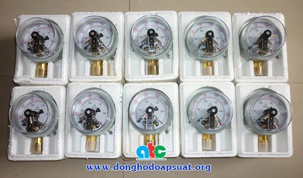 Đồng hồ đo áp suất có tiếp điểm điện, 3 kim