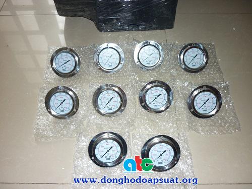 Một đơn hàng nhỏ đồng hồ đo áp suất dầu gửi đi Hà Nội