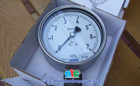 Đồng hồ đo áp suất Wika model 232.50 với đơn vị đo là MPa