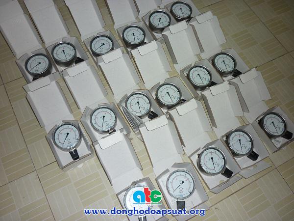 Đồng hồ đo áp suất Wika 232.50 - 233.50 sản xuất tại Đức, inox 316L