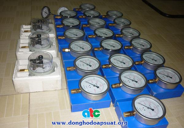 Đồng hồ đo áp suất khí nén vỏ inox, chân đồng, áp kế có tiếp điểm điện