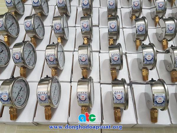 Đồng hồ đo áp suất Badotherm mặt kính 63mm, chân ren đứng 13mm