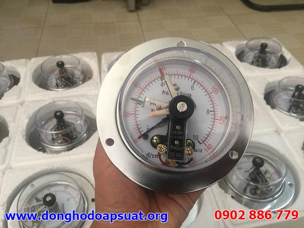 Đồng hồ đo áp suất có tiếp điểm điện, dạng 3 kim chỉ thị