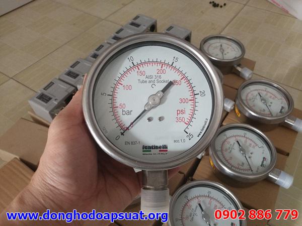 Đồng hồ đo áp suất Fantinelli - Ý có 2 đơn vị đo là bar và psi