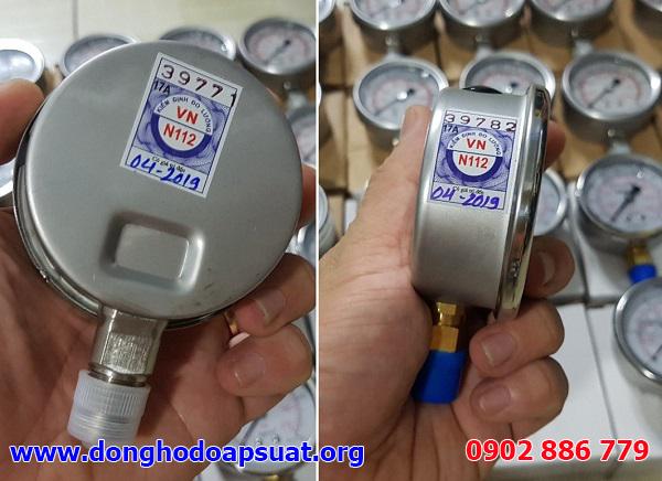 Quy cách dán tem kiểm định đồng hồ đo áp suất cho loại mặt kính 63mm