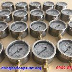 Kiểm tra đồng hồ đo áp suất Yamaki trước khi giao hàng đi tỉnh