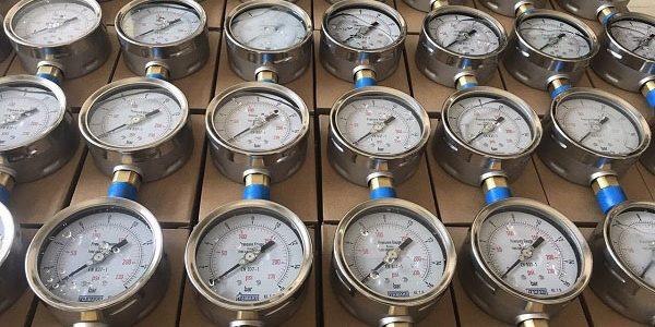 Đồng hồ đo áp suất nước Yamaki chất lượng cao, vỏ inox, chân đồng
